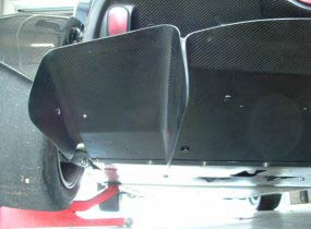 Wide mid floor shown coupled with a modified 111s rear diffuser with front wishbone cut out arcs filled in.