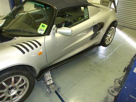 Lotus Elise S1 side sills fitted